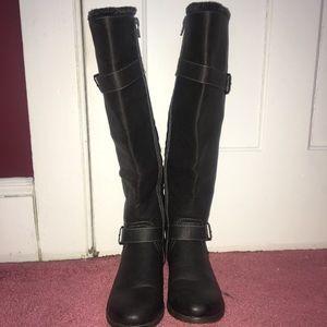 Like new tall black boots